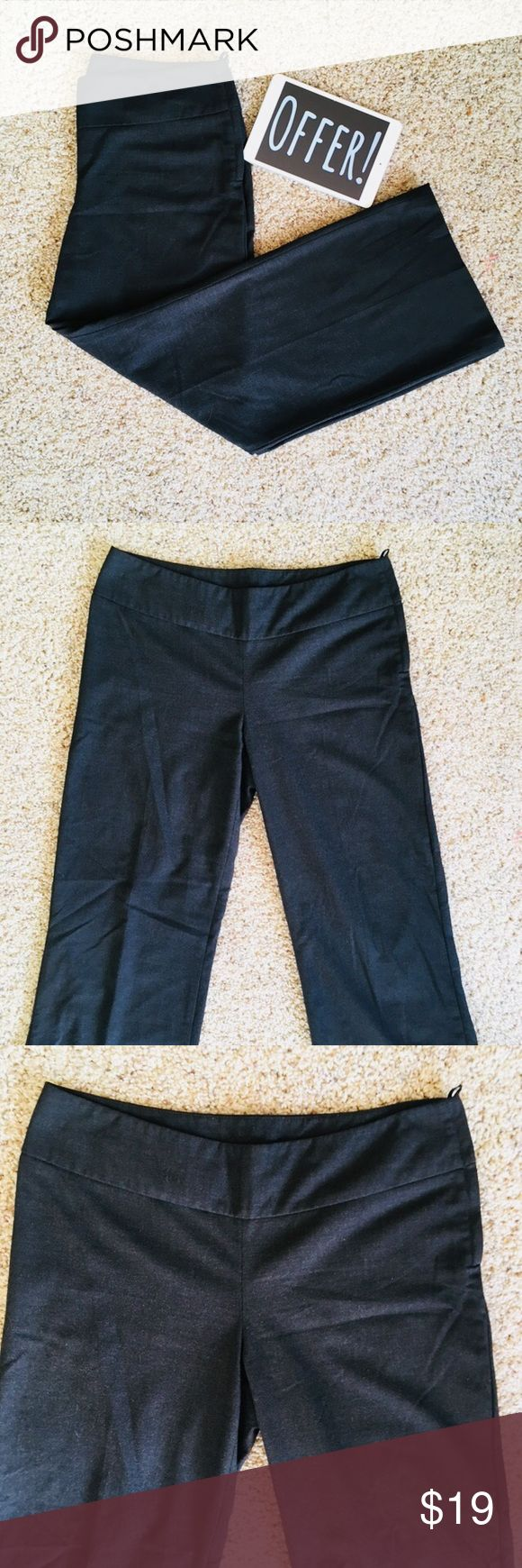 👖 [size: 10] H&M Navy Dress Pants Beautiful Pair Of H&M Dress Pants With Side Zipper/Button ! Barely Worn, No Tears, and No Holes! Accepting All Reasonable Offers and Able To Ship The Same Day!   Great Condition | No Stains | Fully Inspected  Size: 10 H&M Pants Trousers