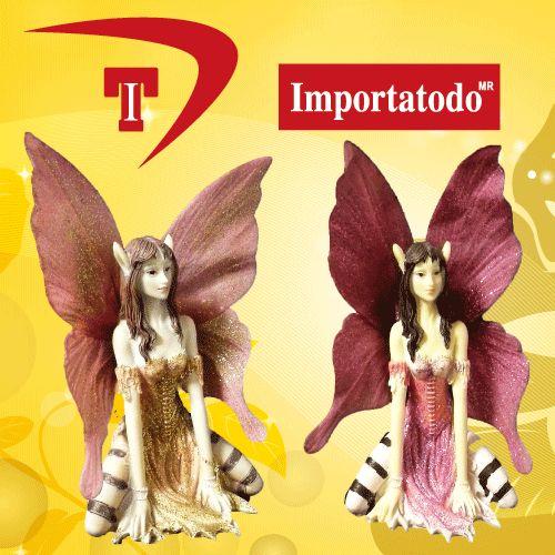 Figura Decorativa Hada sentada elaborada en Poliresina marca TRENTINO.  Modelo 45-625