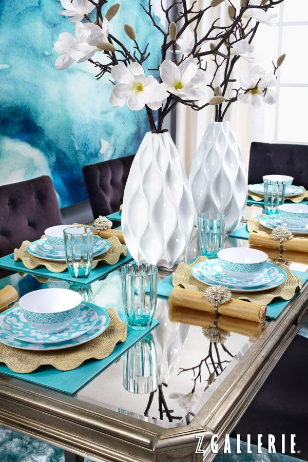 Set a spring table with our shatterproof Boulevard Dinnerware.