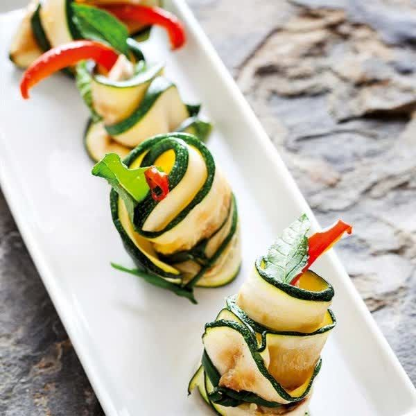 Comer con los ojos     #revolucionONLYONE #sumatealcambio  +Info: 936386432 www.onlyone.casa    http://qoo.ly/engne