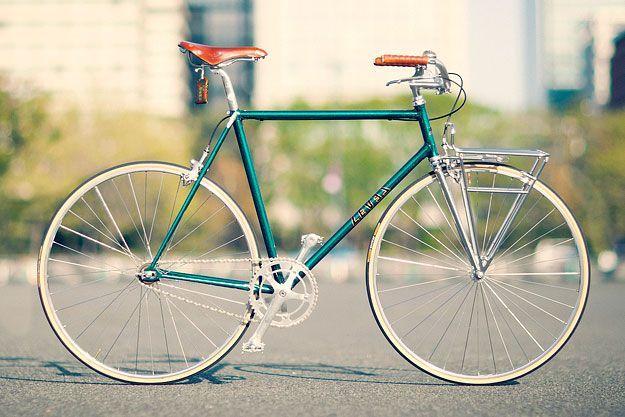Der elegante Stadtbegleiter. Rennrad mit Lederelementen.