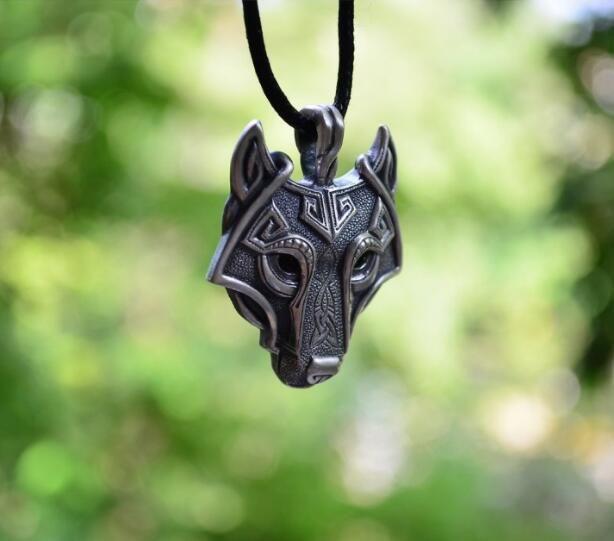 Árbol Navideño-  Brooke Rossel 448f2990e77fd047ee9e67ffac6e6789--animal-jewelry-pendant-necklace