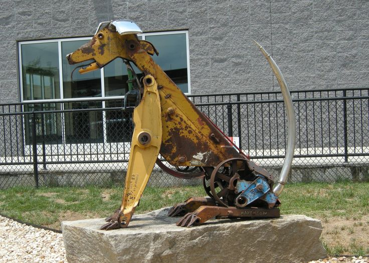 Best Folk Art Ideas Images On Pinterest Metal Crafts - Artist creates incredible sculptures welding together old farming equipment
