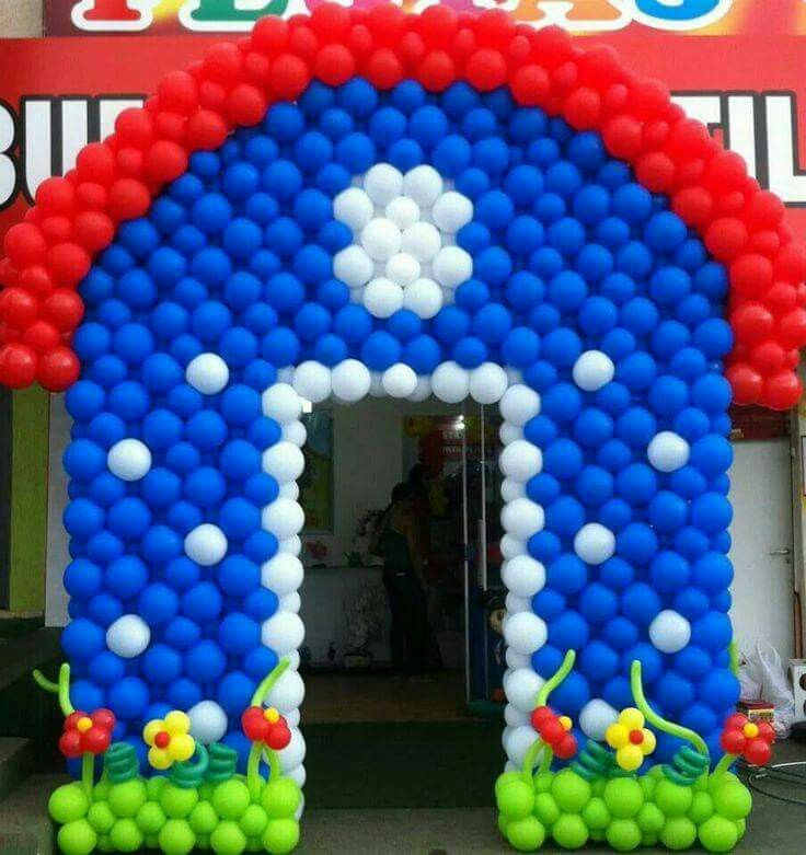 1013 best images about balloon walls on pinterest for Balloon decoration on wall