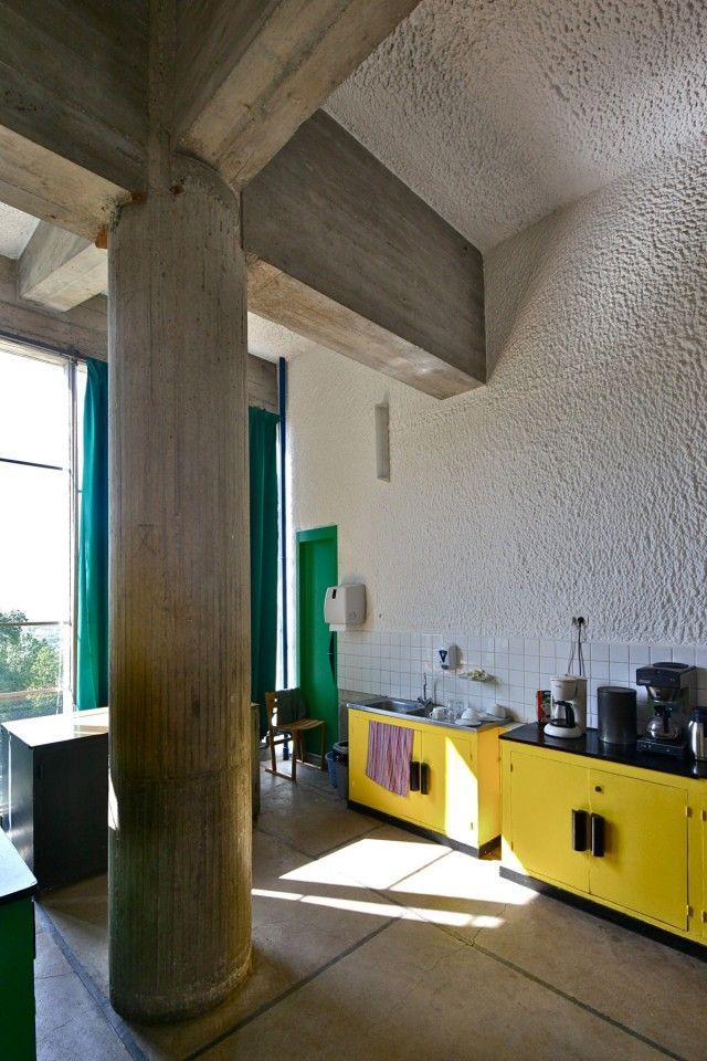 http://hicarquitectura.com/2014/05/aeb-03-le-corbusier-la-tourette-eveux/