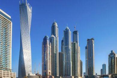 Ma è proprio vero che Dubai è solo ostentazione? E' vero che c'è poco di vero da vedere? Per eliminare ogni dubbio bisogna andare a controllare di persona. #Dubai #travelblog  http://www.partyepartenze.it/travel/cosa-ci-faccio-a-dubai