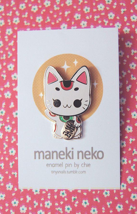 Maneki-Neko chat porte bonheur japonais Enamel Pin