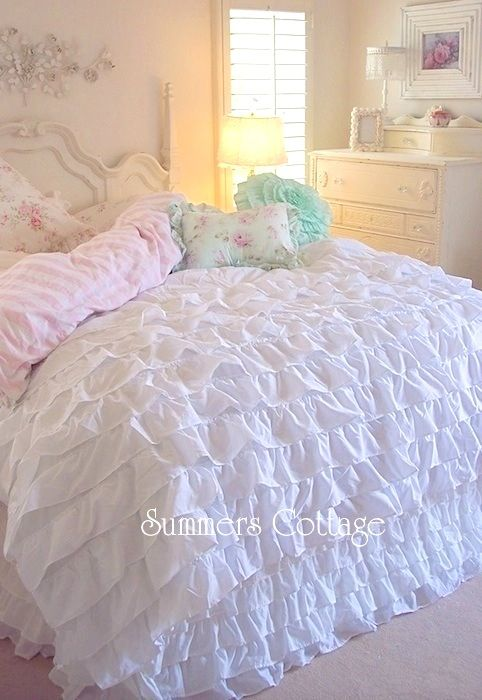 Dreamy White Ruffled Comforter