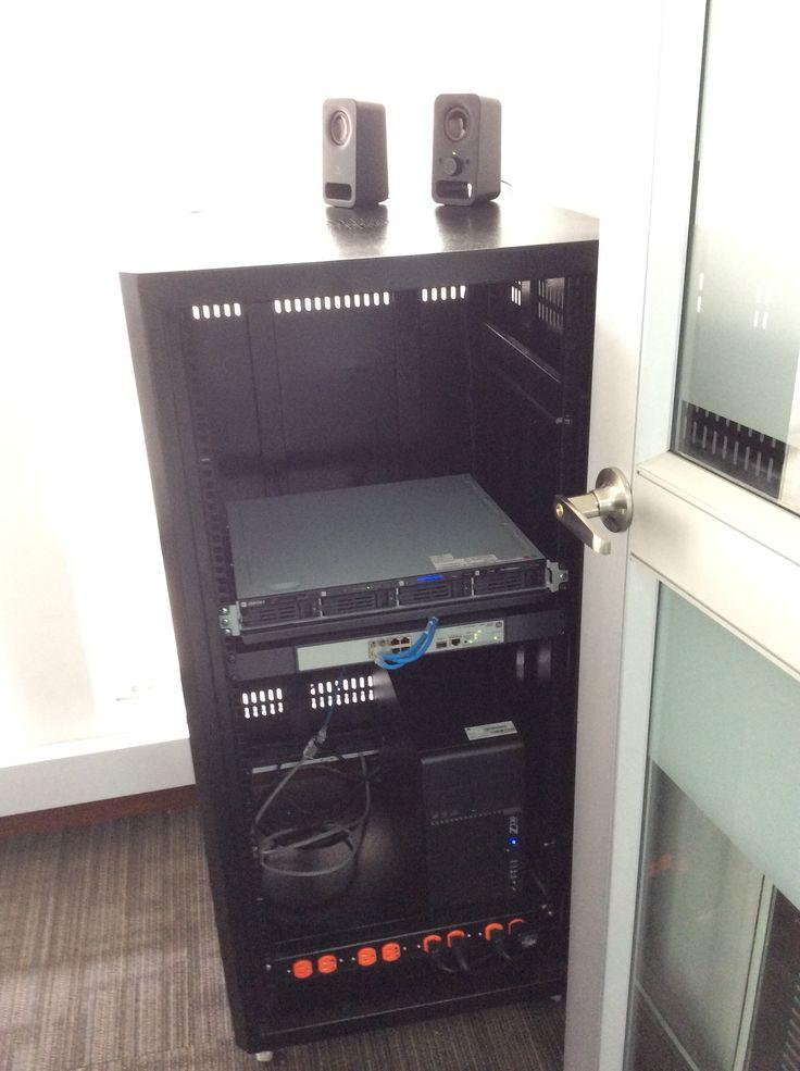 Sistema de Almacenamiento BUFFALO tipo NAS, Switch PoE de HP, WorkStation Z230 de HP.
