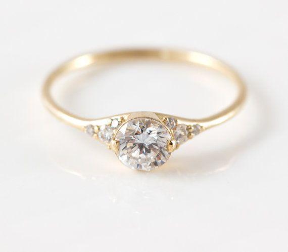 Frauenschuh-Diamant-Verlobungsring / / zarte Diamantring mit Diamanten Seite / 14k Gelb Gold halbes Karat Diamanten Ring / zarte Ring