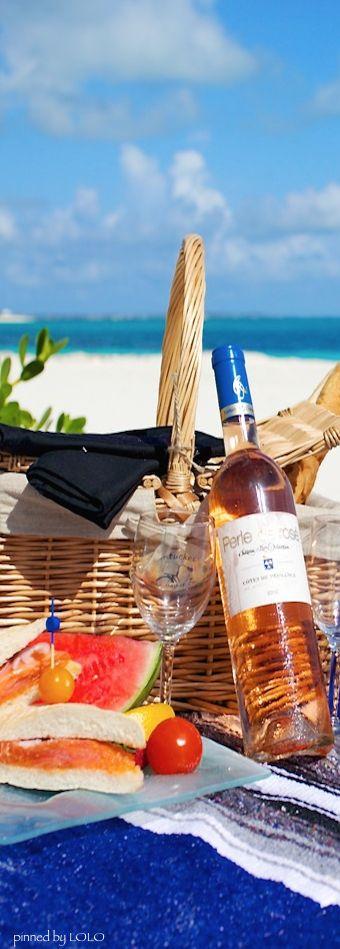 Beach picnic. picnic basket #Picnic Basket #Basket #Wicker basket