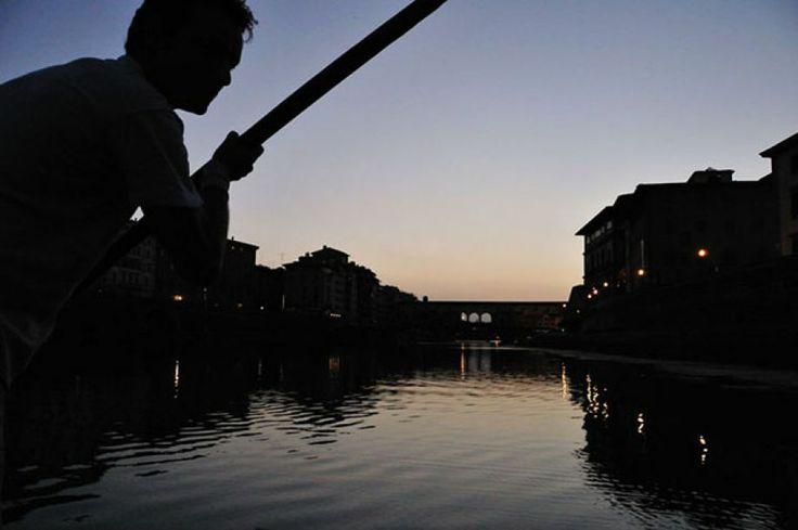 """In """"barchetto"""" sull'Arno, FIRENZE"""