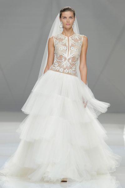 Vestidos de novia cuello cisne 2017: Déjate seducir por su elegancia en tu gran día Image: 21