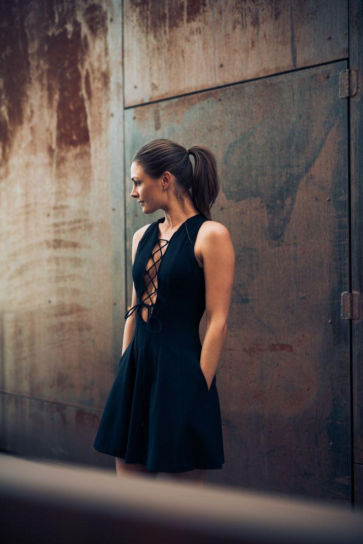 Snøring på kjole | Jenny Skavlan