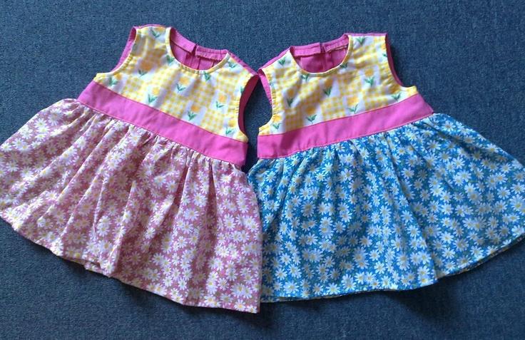 virágos ruhácskák ikreknek/ flowery dresses for twins