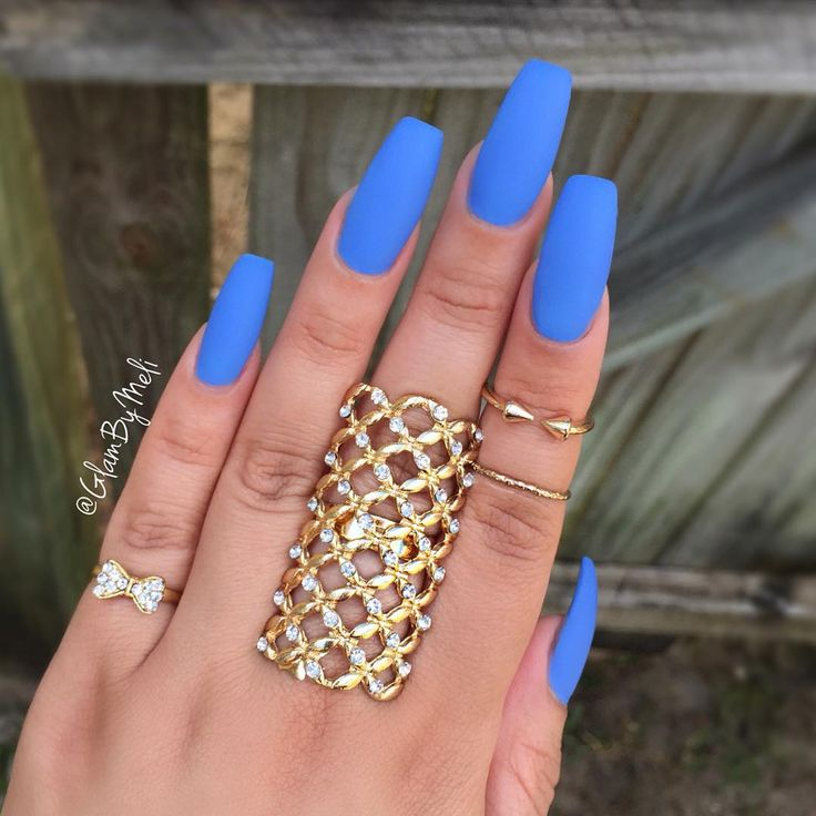 """I've got the Bluesss ~ @laurag_143 @lauragpolish in the color (Cotton Camdy) ~ @sally_hansen big matte top coat ~ and these bomb  rings @shopmissa &…"""