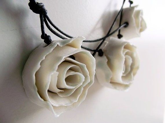Porcelain Necklace - Three  White  Porcelain Roses a Fresh Necklace from Italy - Limoges Porcelain