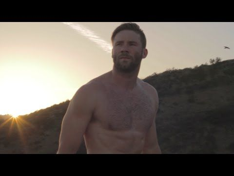 Tom Brady Who? Julian Edelman Vies For Hottest Pats Player With This Sexy Workout Video! Watch HERE! | PerezHilton.com