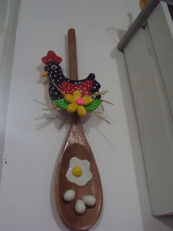 Colher de pau decorada com biscuit