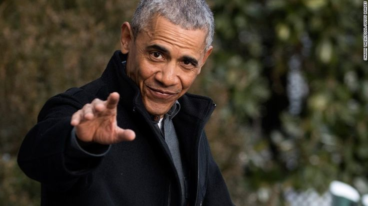WASHINGTON, DC - JANUARY 07: President Barack Obama walks to Marine One on the South Lawn of the White House on January 7, 2017 in Washington, DC. President Obama Will be attending a wedding in Florida. (Photo by Shawn Thew/Pool/Getty Images)