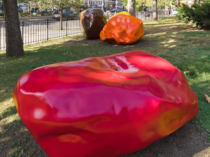 <p>This fall, more than 100 blocks of public art has come to Manhattan's Upper West Side. Through February, the work of 10 contemporary artists will be on view from 166th street to Columbus Circle in <em>Broadway Morey Boogie</em>.</p>