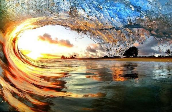 Hawaii Waves by Nick Selway and CJ Kale - 50 Inspiring Examples of Water in Art  <3 <3