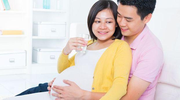 Vitamin Untuk Menambah Kesuburan Wanita ,- Jalan keluar paling baik serta aman untuk tingkatkan kesuburan kandungan yaitu dengan