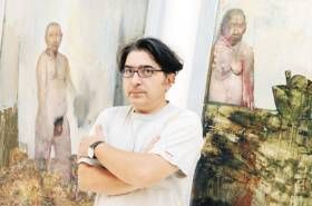 Ο Εδουάρδος Σακαγιάν, ένας από τους σημαντικότερους ζωγράφους της γενιάς του, πέρασε αρκετές από τις μέρες τού φθινοπώρου στην Πλάκα. Στην οδό Μονής Αστερίου 3, στο «Μουσείο Φρυσίρα», φιλοξενείται η αναδρομική του έκθεση με τίτλο «Το βλέμμα του ζωγράφου - Εδουάρδος Σακαγιάν» με έργα από τη συλλογή του Βλάση Φρυσίρα.