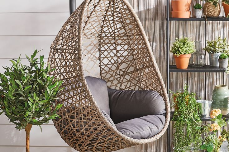 Aldi shoppers fuming as popular £150 hanging egg chair
