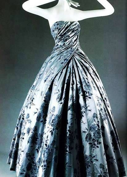 Compiegne Ball Gown, 1954, Dior ooooooooooooooooooooooooooooooooooooooooooooooooooooooooooooooo!!!!!!!!!!!