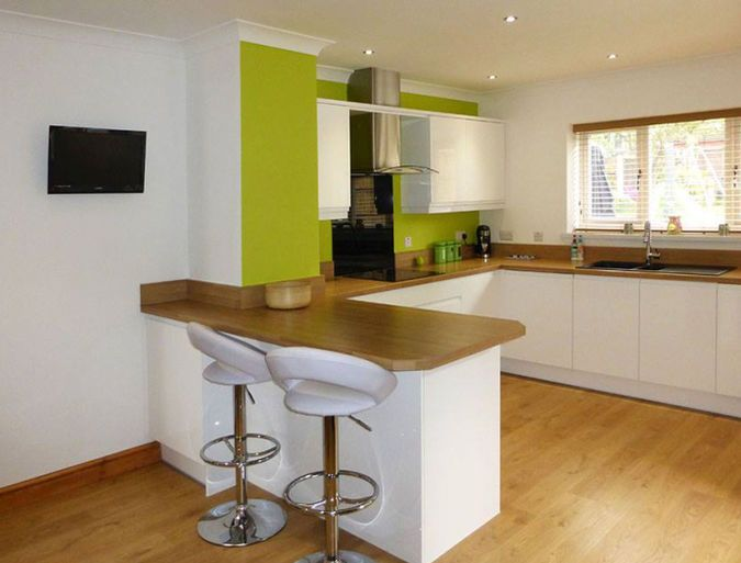Remo Gloss White - Avanti Kitchens and Bedrooms kitchen