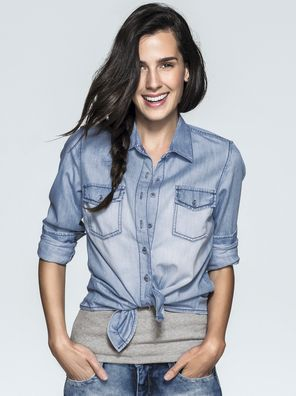 Camisa Feminina Em Jeans Com Bolsos   Camisas   Feminino   Hering