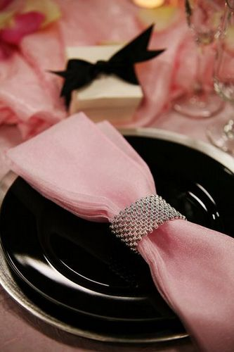 pink & black Tablescape Centerpiece www.tablescapesbydesign.com https://www.facebook.com/pages/Tablescapes-By-Design/129811416695