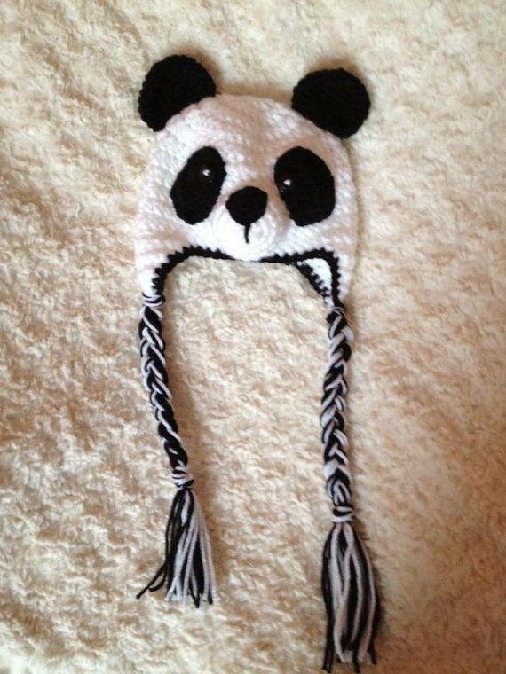 Chapeau fait main ours Panda.  Impressionnant de photographie !  Fait main                                                                                                                                                     Plus