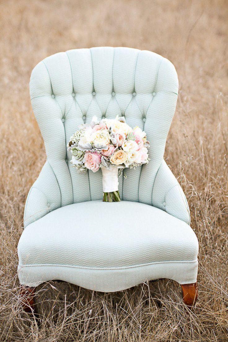 Pastel Bouquet. Photography by Jennifer Ebert Photography / jenniferebertphotography.com, Jewelry by Prim