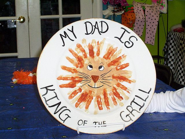 """""""My Dad is King of the Grill"""": Flickr, Lion Plate, My Dad, Dads, Handprint Lion, Holidays Gift Ideas, Kid"""