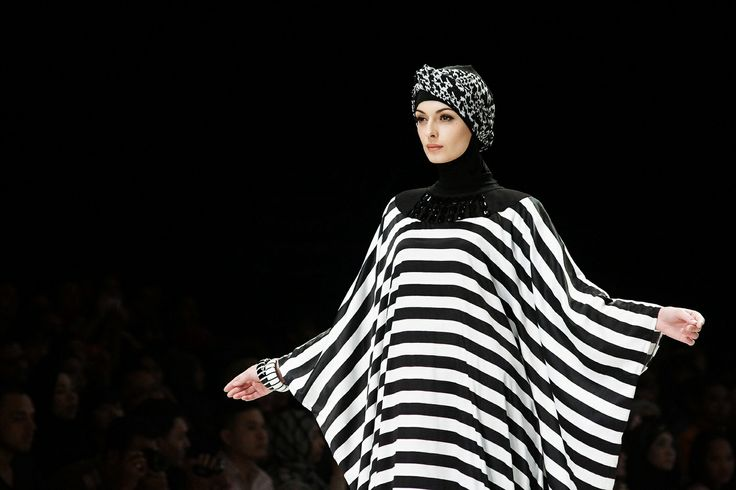 Black and white stripes kaftan collection Hannie Hananto for The Executive Indonesia Fashion Week 2014