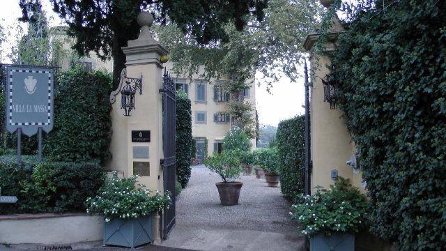 フィレンツェ郊外のVilla La Massa ヴィラ ラ マッサ滞在記:概観、ロビー編|世界へBon Voyage
