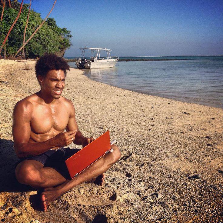 Nuestra Yoga desde algún lugar del Pacífico Sur.  www.lenovo.com/ar
