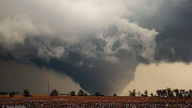 As 2015 nears its conclusion, it may finish with the fewest tornado fatalities in the United States on record.