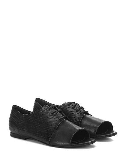 Fiori Francesi - Scarpa bassa - Donna - Scarpa bassa open toe in pelle e pelle lavorata con suola in cuoio. - NERO - € 189.00