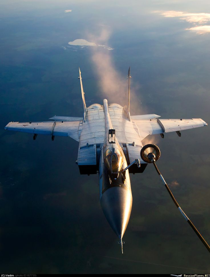 Refuelling Tuesdays - MiG 31 being refuelled somewhere over Russia [920  1213]