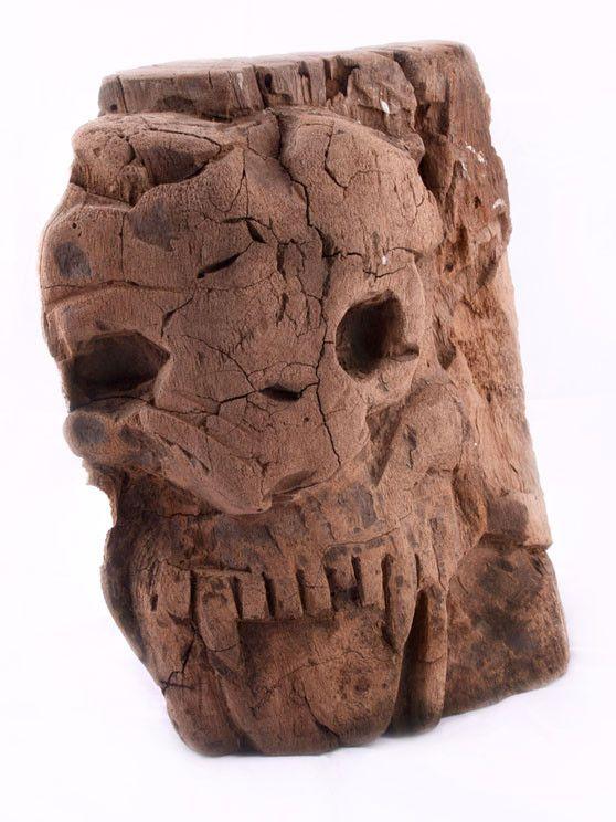 Autor: Vicente Hernández Vásquez, originario de San Martín Tilcajete, Oaxaca, México.Obra natural, tallada en madera del árbol llamado Guamúchil, árbol nativo de México