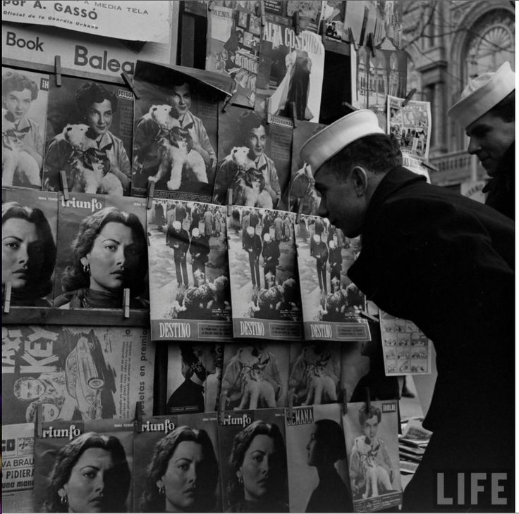 Sisena flota a Barcelona. Foto de N R Farbman. Gener de 1952. LIFE.
