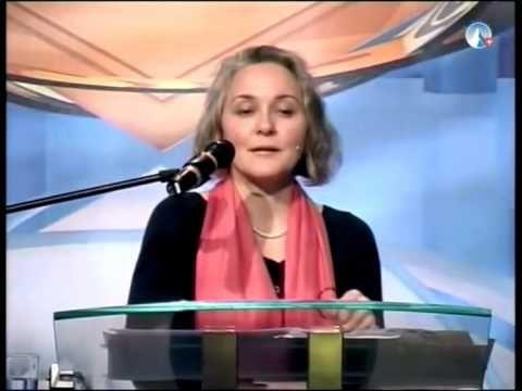 Deutschland mit gefälschter Geschichtsschreibung?  Sylvia Stolz auf der AZK Zusammenfassung - YouTube