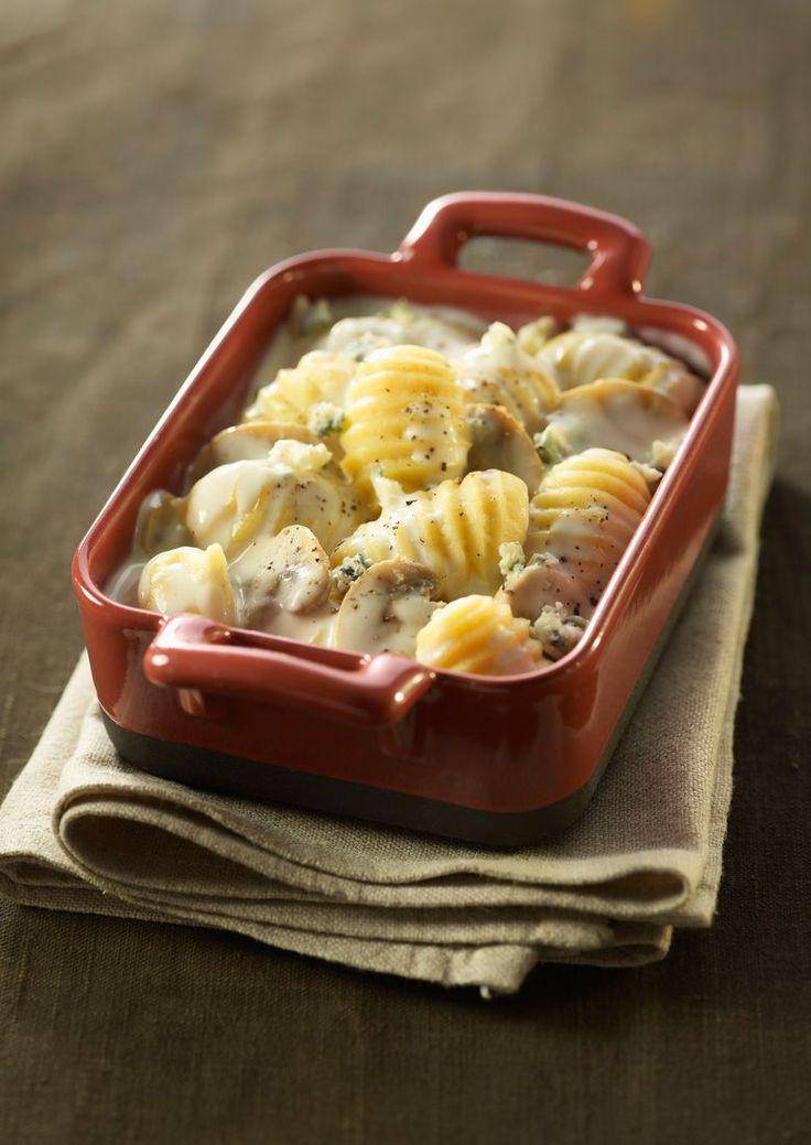 Gnocchi mit Pilz-Käse-Soße | http://eatsmarter.de/rezepte/gnocchi-mit-pilz-kaese-sosse