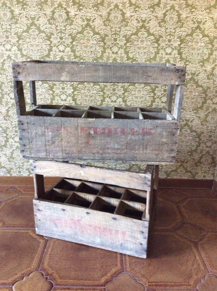 Le Relais Du Douet - boîtes des anciennes bouteilles
