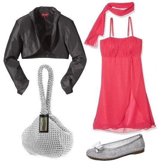 Un outfit di scena per le ragazze: abito senza maniche in chiffon, con sciarpa da annodare al collo, bolero nero in tessuto tecnico, ballerine di tela con fiocco e piccola borsa argento.