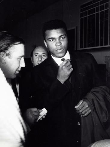 Muhammad Ali Photo by Globe Photos LLC at AllPosters.com
