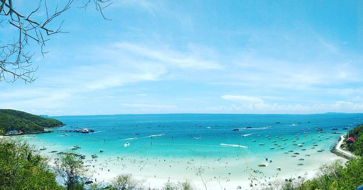 Koh Larn . The best view is from the top of the mountain. Its an osom beach. ❤  #travelphotography #traveller#travel #beautifulearth #beautiful #thailand #kohlarn #trip #besttrip #bestfriends #happy #moment #beach #beachlover #best #bluesky #bluewater #mountains #swimming #diving #snorkeling #love #thai #drive #bestpicture #relax #htc http://tipsrazzi.com/ipost/1512087202232958599/?code=BT8A0yOgn6H
